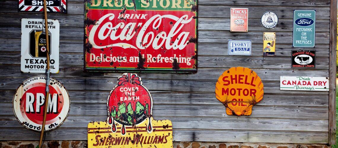 consumer buying behavior refers